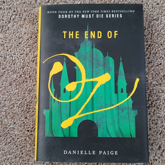 The End of Oz-Hardback by Danielle Paige